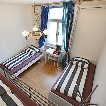 가족실 또는 4인도미토리(전용욕실)