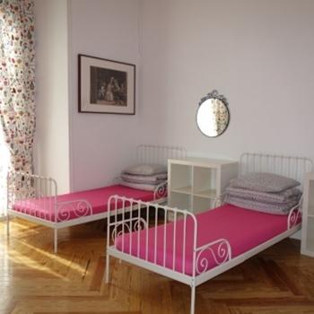 여성도미토리(단층침대)