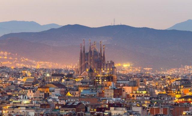 [택시투어] 여유 넘치는 바르셀로나 가우디 오후의 산책 & 카페투어 (소수정예)