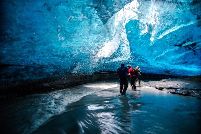 [11~3월]푸른 크리스탈 같은 바트나요쿨 거대 얼음 동굴 탐험