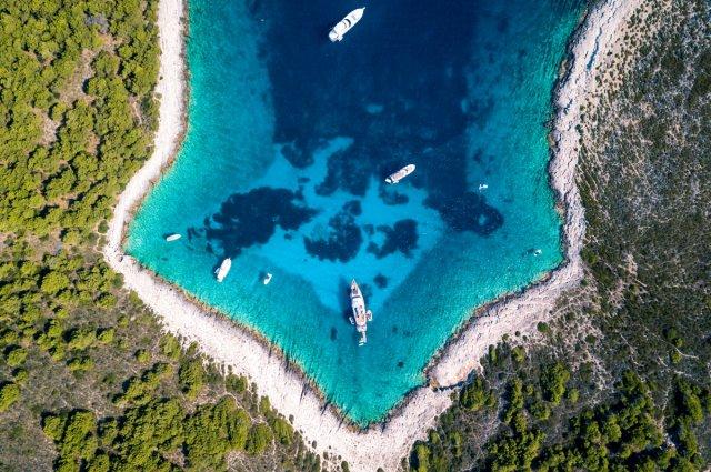 [스플리트 출발] 아드리아해의 보석! 흐바르+파클레니섬 스피드보트 투어