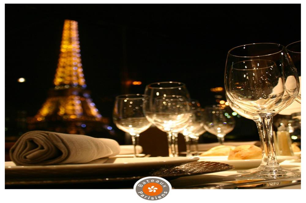 [20:30] 바토 파리지앵 디너크루즈 ([20:30] Dinner Cruise With Bateaux Parisiens)