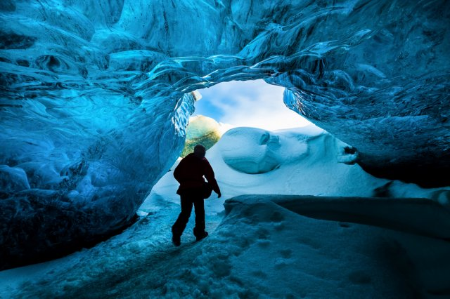 얼음 동굴 속으로 떠나볼까? 얼음동굴 & 하이킹 투어